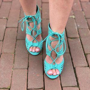 1.1528 Shoe Matilda mint